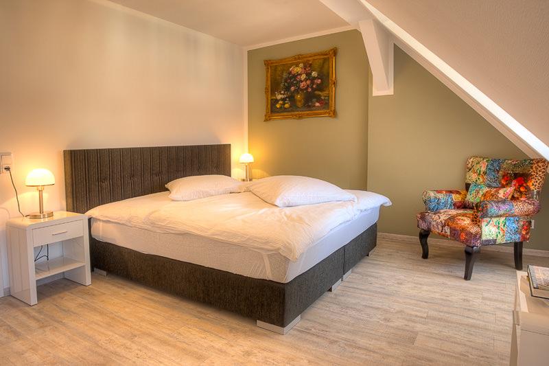 Schlafzimmer 1 Apartment Xenia Meissen Apartments In Meissen