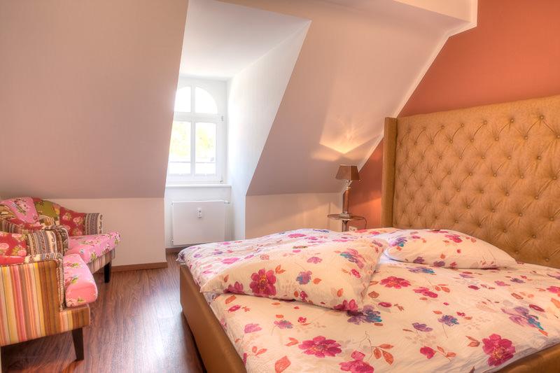 Schlafzimmer-Ansicht3-Licht-apartment-otto-meissen