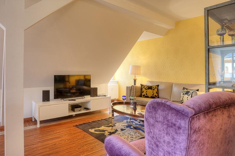 Wohnzimmer-TV-apartment-otto-meissen